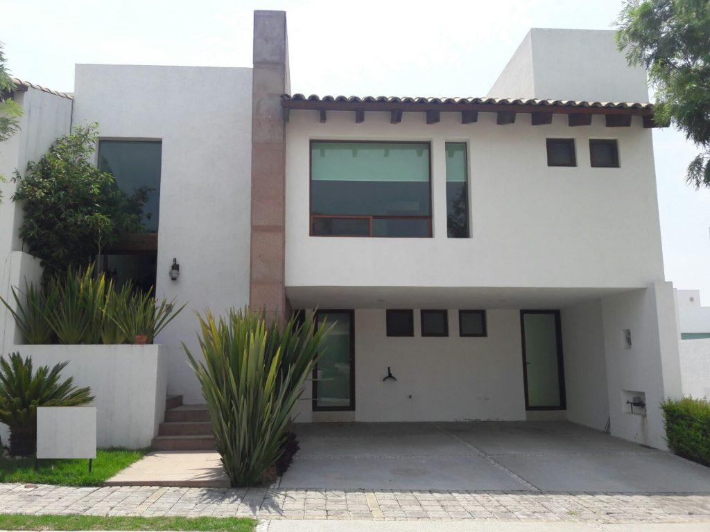 Venta casa 3 recámaras con baño Parque Santiago Lomas de Angelópolis