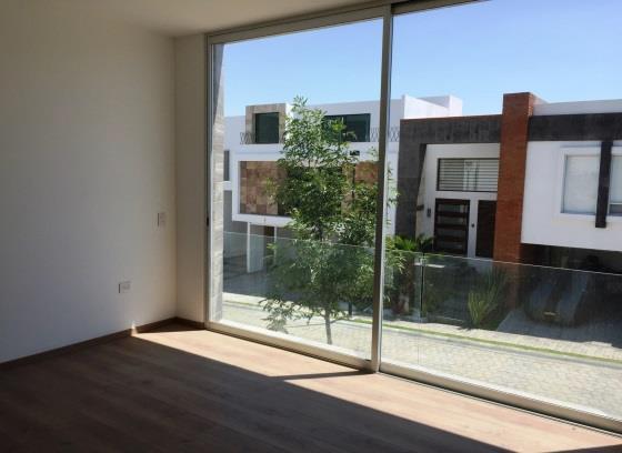Casa en venta 3 recamaras y estudio Parque Durango 11