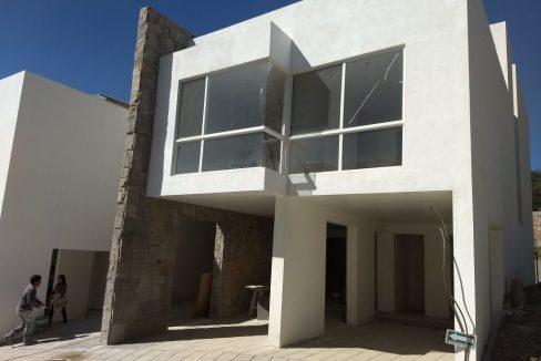 Casa tipo TownHouse en venta 3 Recamaras Arboledas de Zavaleta 1