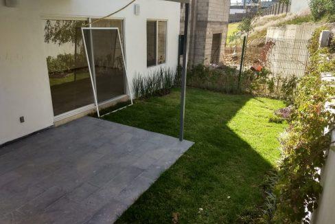 Casa tipo TownHouse en venta 3 Recamaras Arboledas de Zavaleta 12