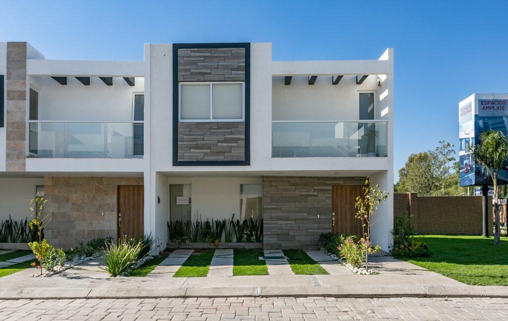 Casa en venta 3 recamaras Parque Ibiza con alberca Lomas de Angelópolis 1