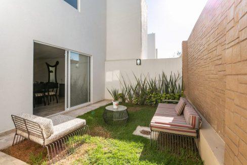 Casa en venta 3 recamaras Parque Ibiza con alberca Lomas de Angelópolis 13
