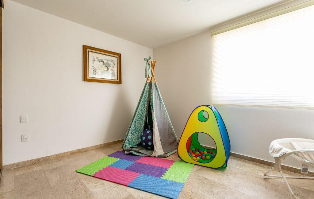 Casa en venta 3 recamaras Parque Ibiza con alberca Lomas de Angelópolis 19