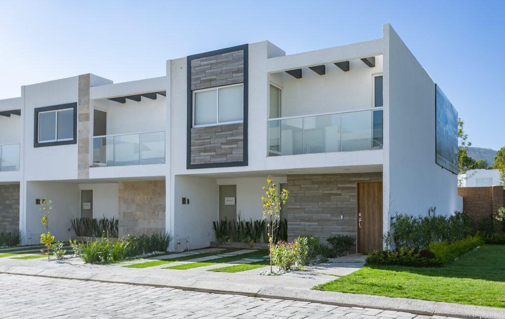 Casa en venta 3 recamaras Parque Ibiza con alberca Lomas de Angelópolis 2