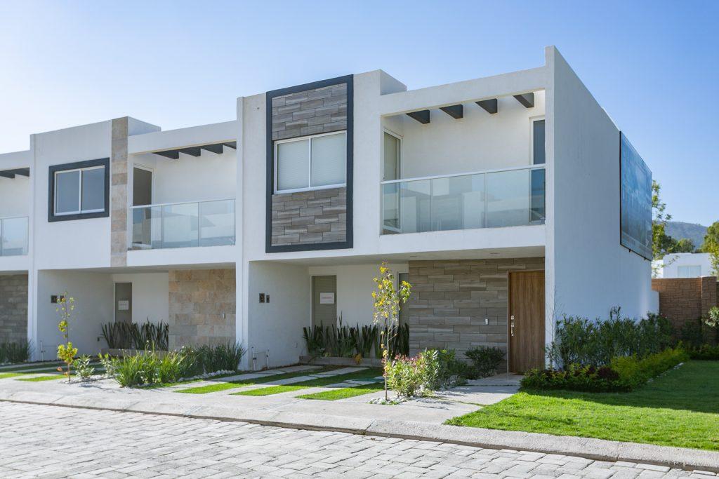 Casa en venta 3 recamaras Parque Ibiza Modelo Platino Plus cluster con alberca Lomas de Angelópolis III