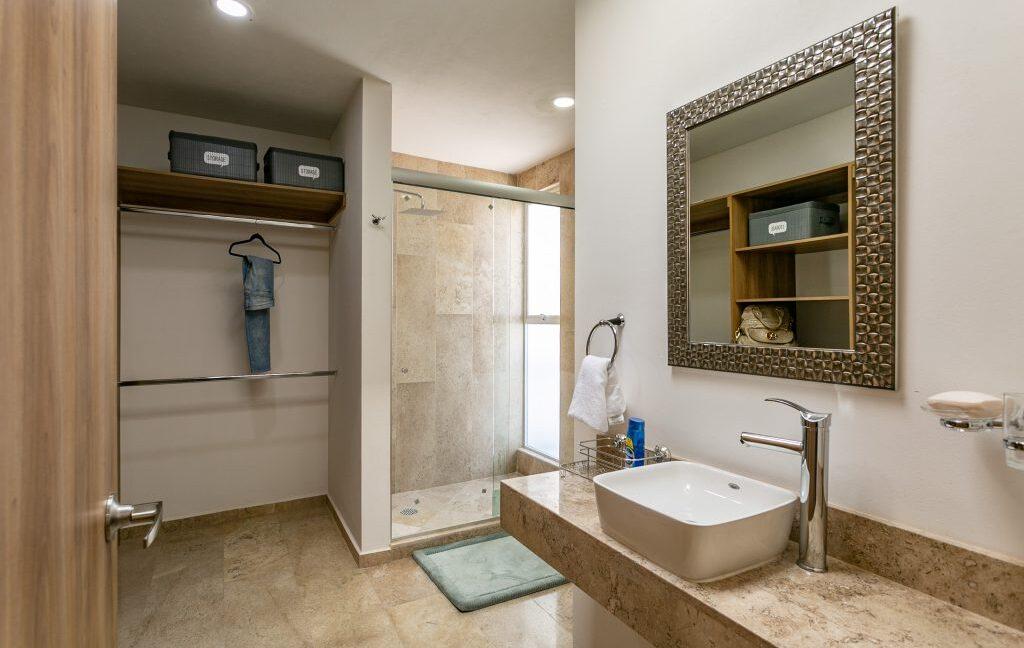 Casa en venta 3 recamaras Parque Ibiza con alberca Lomas de Angelópolis 22