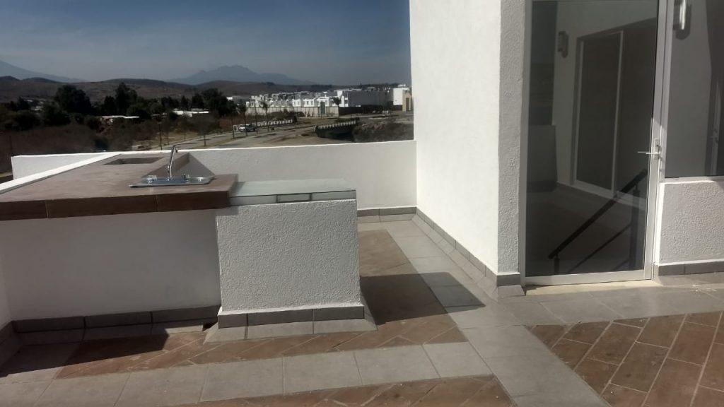 Casa en venta 3 recamaras Parque Ibiza con alberca Lomas de Angelópolis 24