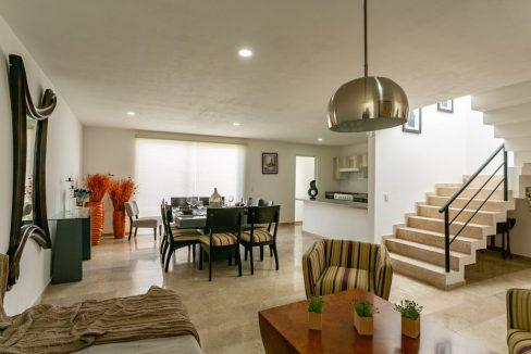 Casa en venta 3 recamaras Parque Ibiza con alberca Lomas de Angelópolis 5