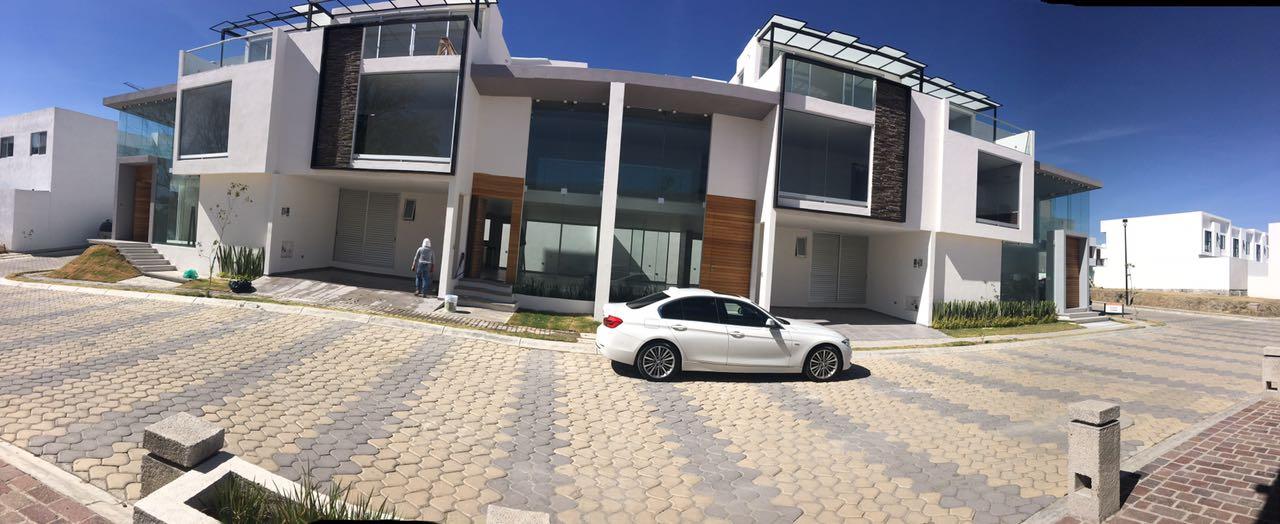 Casa en venta 4 recamaras Parque Quintana Roo Lomas de Angelópolis