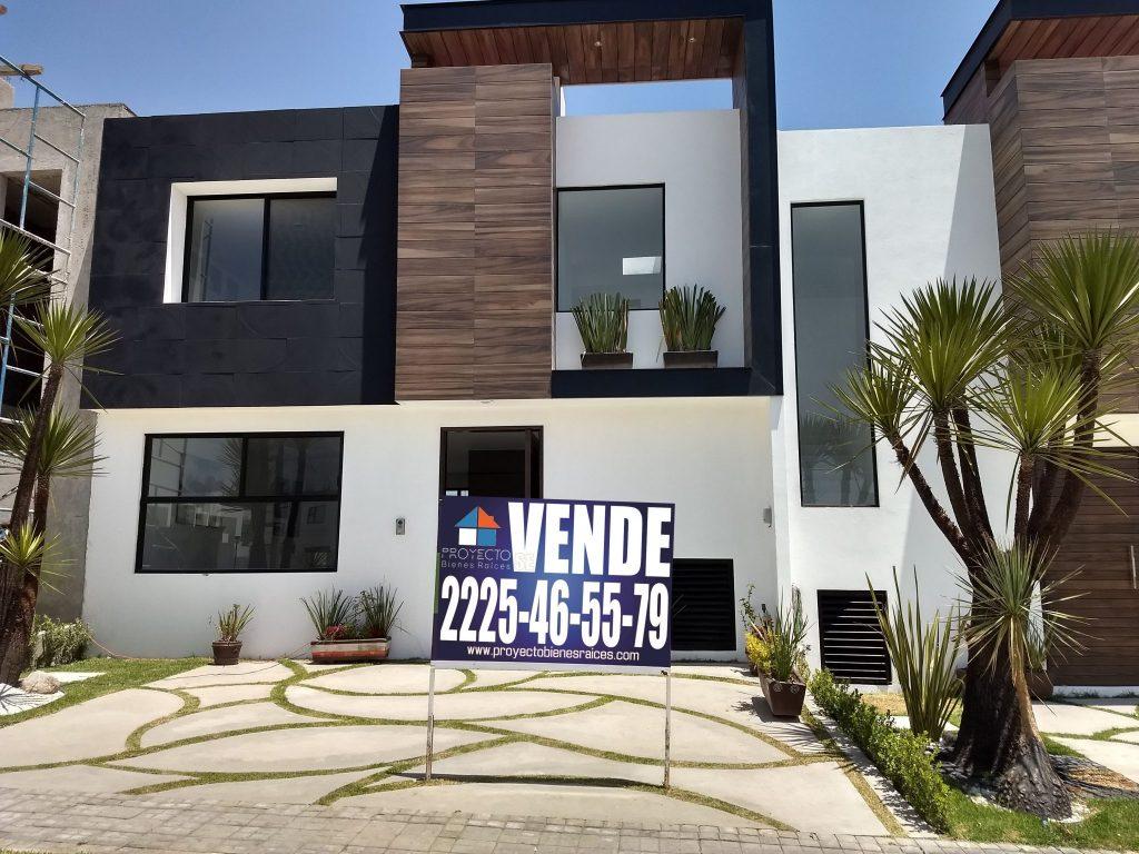 Casa en venta con 3 recamaras amplitud elegancia Parque QuintanaRoo Lomas de Angelopolis