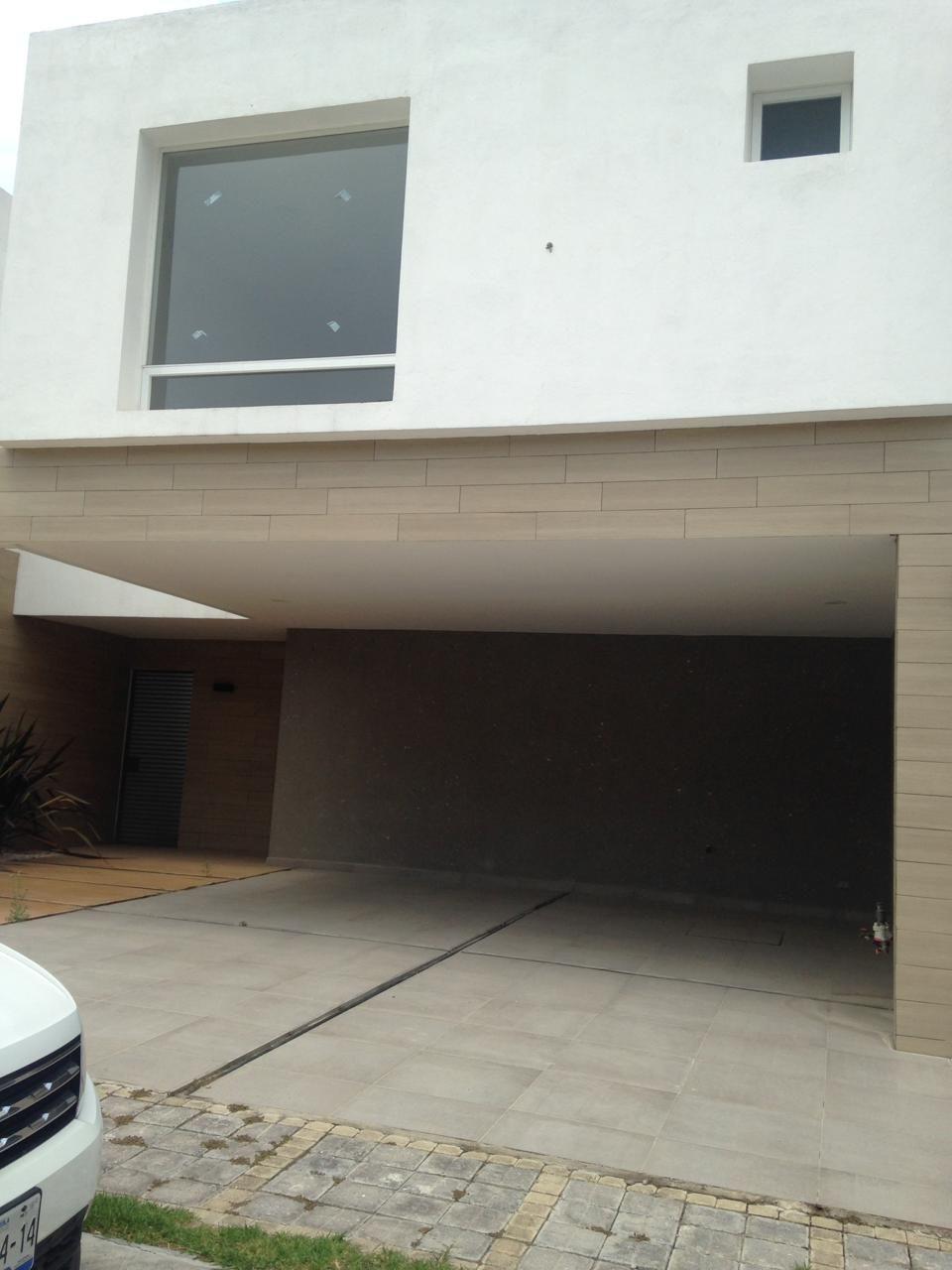 Casa en venta 3 recamaras cochera techada Parque Nuevo Leon