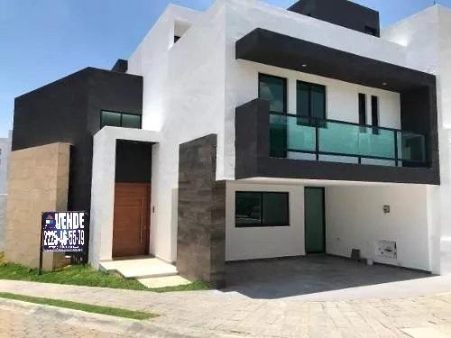 Casa Venta 4 recamaras con baño estudio roof garden Parque Santo Domingo Lomas de Angelopolis II 1