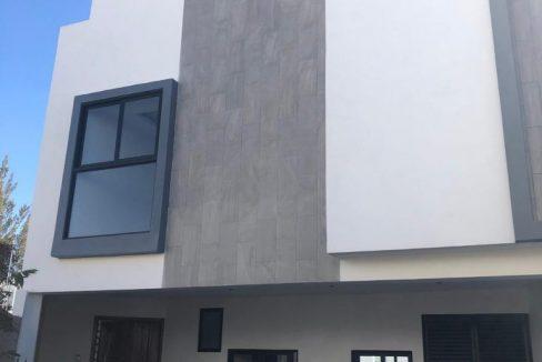 Casa en venta Parque Hidalgo Lomas de Angelopolis cluster con alberca 1