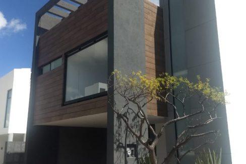 Casa en venta con 3 recamaras excelente distribución Parque Sonora Lomas de Angelópolis 1