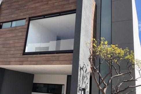 Casa en venta con 3 recamaras excelente distribución Parque Sonora Lomas de Angelópolis 2