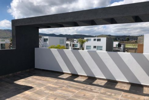 Casa en venta con 3 recamaras excelente distribución Parque Sonora Lomas de Angelópolis 5