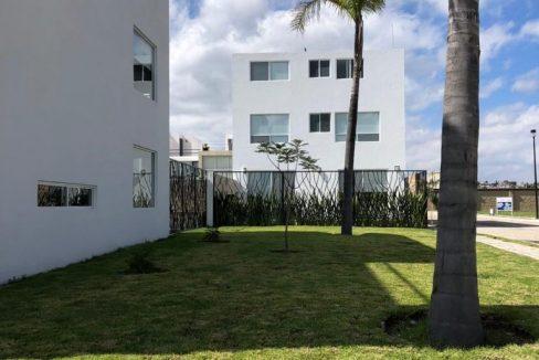 Casa en venta con 3 recamaras excelente distribución Parque Sonora Lomas de Angelópolis 8