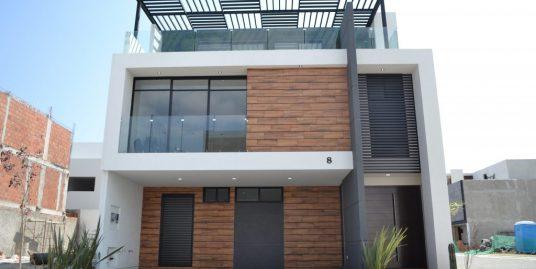 Renta casa con 3 recamaras Parque Chihuahua Lomas de Angelopolis Residencia en esquina