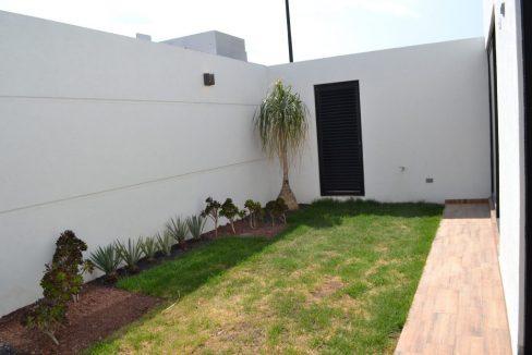 Renta casa con 3 recamaras Parque Chihuahua Lomas de Angelopolis Residencia en esquina con vista a los volcanes y con tres niveles 21