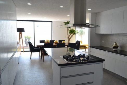 Renta casa con 3 recamaras Parque Chihuahua Lomas de Angelopolis Residencia en esquina con vista a los volcanes y con tres niveles 4
