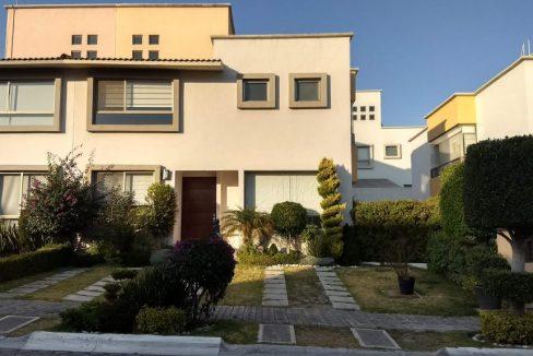 Venta casa 3 recamaras y estudio Privanza Lomas de Angelopolis cluster con alberca 1