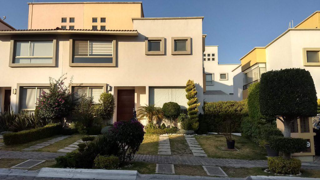 Venta casa 3 recamaras y estudio Privanza Lomas de Angelopolis cluster con alberca