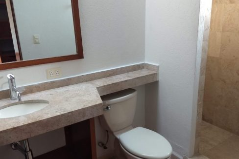Venta casa 3 recamaras y estudio Privanza Lomas de Angelopolis cluster con alberca 15