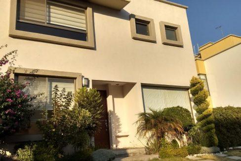 Venta casa 3 recamaras y estudio Privanza Lomas de Angelopolis cluster con alberca 2