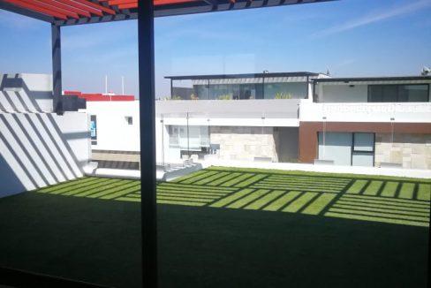Venta casa 4 recamaras una en PB Parque Nuevo Leon Lomas de Angelopolis cochera 3 autos techada y roof garden 15