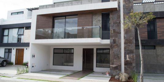 Venta casa 4 recamaras una en PB Parque Zacatecas Lomas de Angelopolis