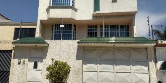 Casa en venta con 4 niveles y 4 recamaras Residencial Cafetales Coyoacan