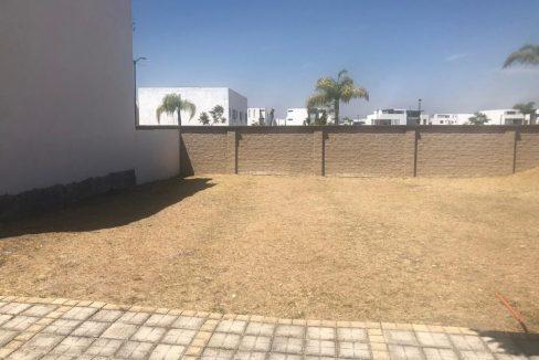 Venta terreno residencial plano en Parque Baja California Sur Lomas de Angelopolis 2