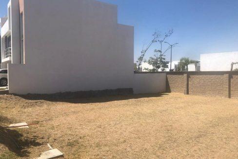 Venta terreno residencial plano en Parque Baja California Sur Lomas de Angelopolis 3