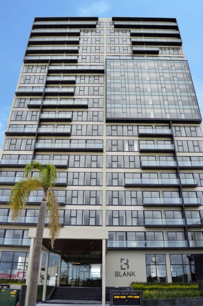 Venta departamento de lujo con 2 recamaras terraza Torre Blank entrada Norte Lomas de Angelópolis Puebla