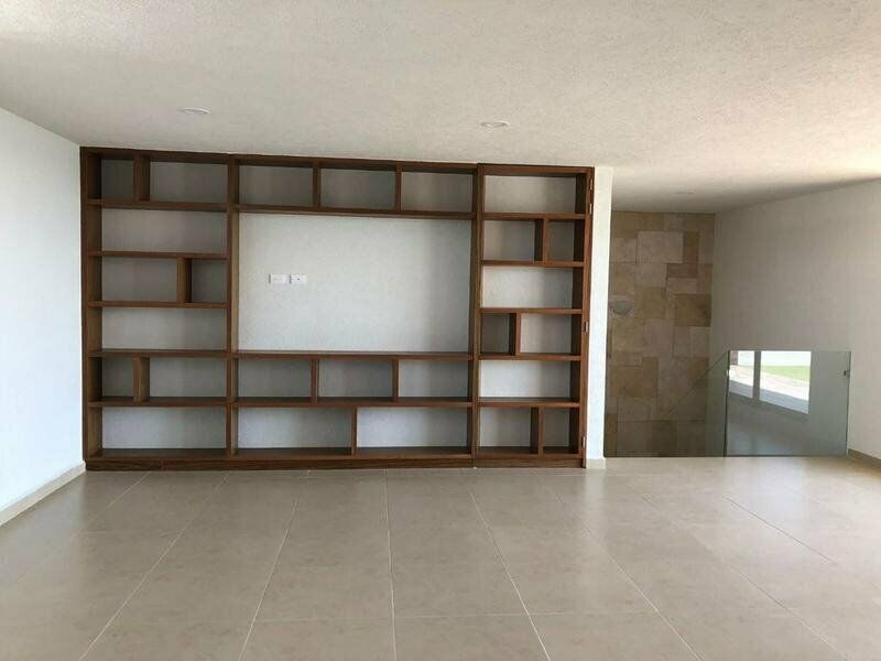 Casa en venta de 4 recamaras Parque Zacatecas Lomas de Angelopolis 13