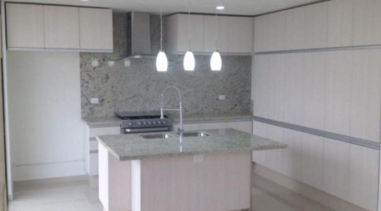 Casa en venta de 4 recamaras Parque Zacatecas Lomas de Angelopolis 4