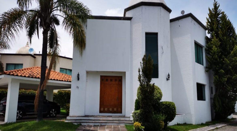 Renta casa con 3 recamaras muy amplia Fundadores de Zavaleta 1