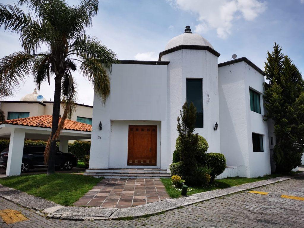 Renta casa con 3 recamaras muy amplia Fundadores de Zavaleta