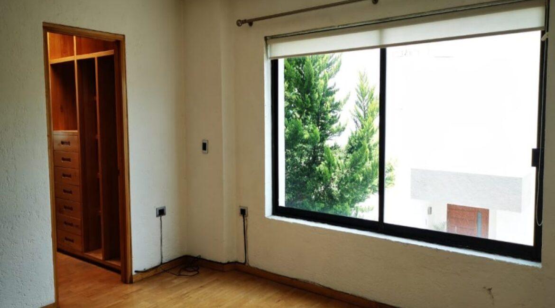 Renta casa con 3 recamaras muy amplia Fundadores de Zavaleta 13