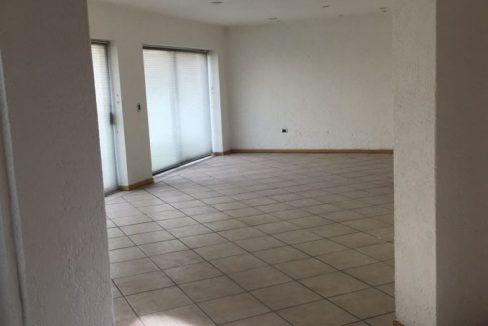 Renta casa con 3 recamaras muy amplia Fundadores de Zavaleta 3