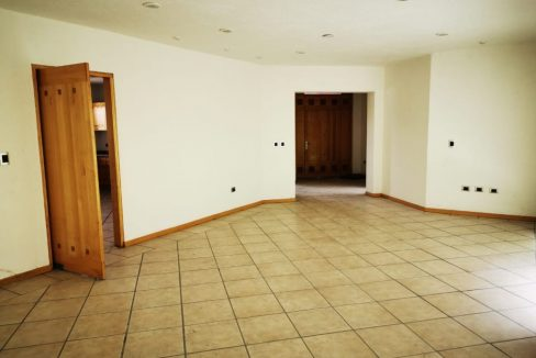 Renta casa con 3 recamaras muy amplia Fundadores de Zavaleta 4