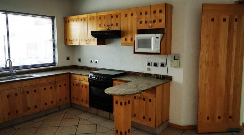Renta casa con 3 recamaras muy amplia Fundadores de Zavaleta 5
