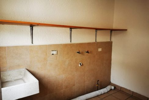 Renta casa con 3 recamaras muy amplia Fundadores de Zavaleta 7