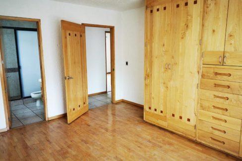 Renta casa con 3 recamaras muy amplia Fundadores de Zavaleta 9