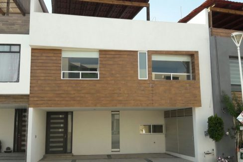 Casa en venta 4 recamaras Parque Yucatan Lomas de Angelopolis Puebla 0