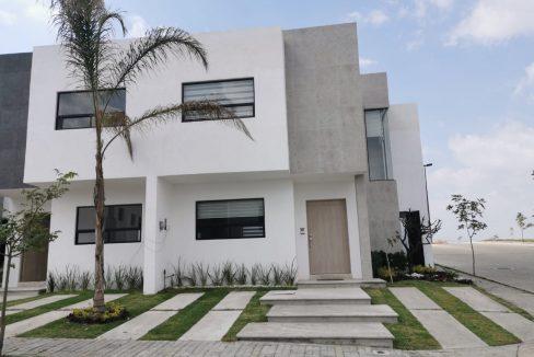 Venta casa esquina Encino Residencial Lomas de Angelopolis Puebla