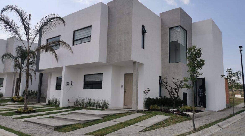 Venta casa esquina Parque Aguascalientes Lomas de Angelopolis Puebla Pt1-1