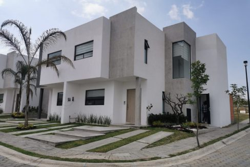 Venta casa esquina Parque Aguascalientes Lomas de Angelopolis Puebla