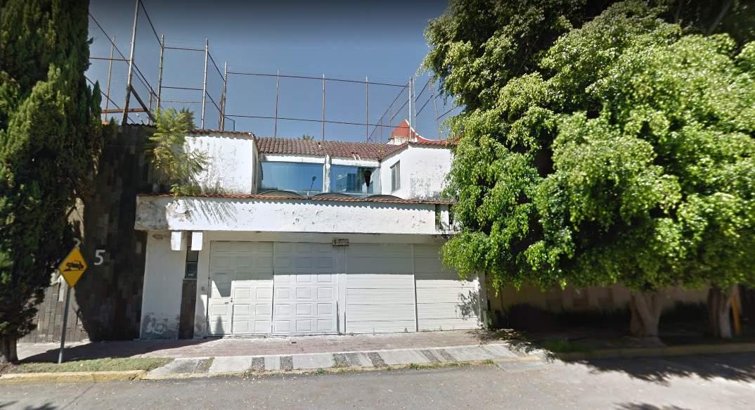 Terreno en venta con construcción para demoler Club de Golf las Fuentes Puebla 3
