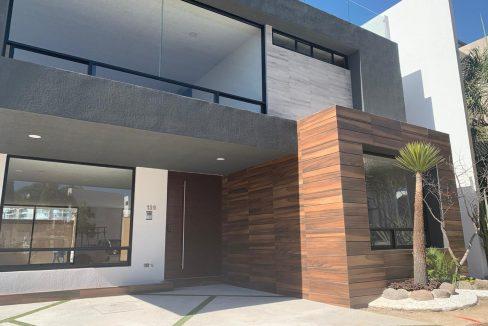 Venta casa 4 recamaras con baño, cto servicio, roof garden Cluster 11 Lomas de Angelopolis Puebla 1